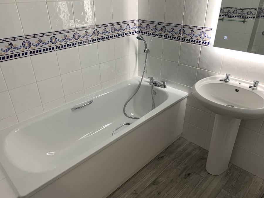 seafront-bathroom2